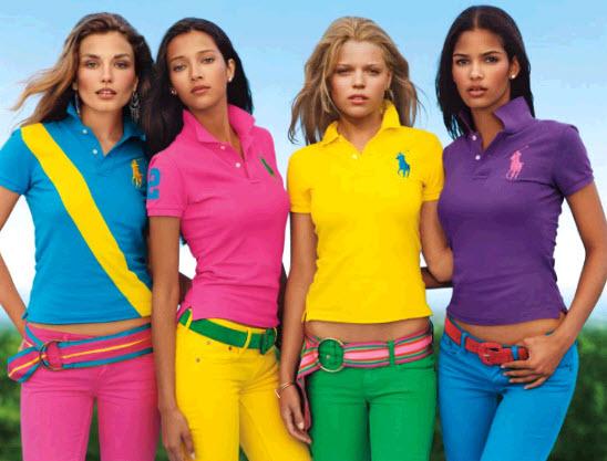 Halen collectanten die merkkleding dragen meer, of juist minder geld op voor een goed doel?