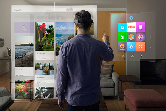 By Microsoft Sweden - win10_HoloLens_livingRoom, CC BY 2.0, https://commons.wikimedia.org/w/index.php?curid=47493653