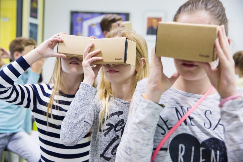 Google Expedities stuurt scholieren op virtuele schoolreis naar Schiphol