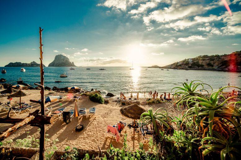 Reisbedrijven en studenten komen samen op Ibiza